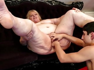 Taboo home story with mature BBW mom and boy