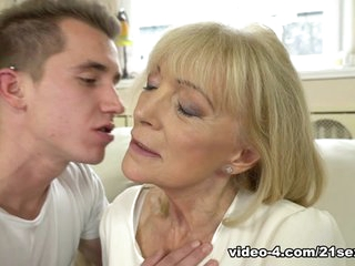 Szuzanne  Jason Storm in To The Essential - 21Sextreme