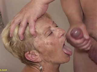 89 years old mom deep fucked