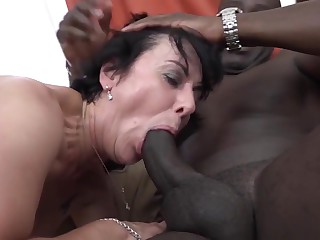 Granny Threesomes With 2 Black Men Fuck Cocks In Mouth