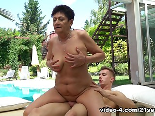 Amazing pornstars Ashton Anastasia, Oliver in Fabulous Cumshots, Outdoor sex clip