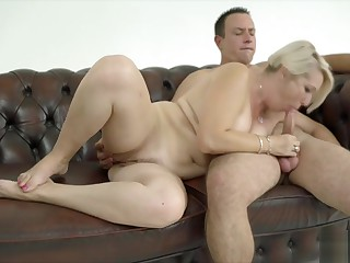 Mature Plumper Gets a Hard Cock to Use