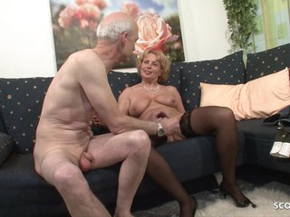 Plump mature in black stockings is having sex with a grandpa who likes to eat her pussy